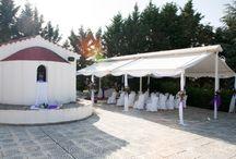 ΓΑΜΟΣ ΣΤΟ ΠΑΡΕΚΚΛΗΣΙ / Στο παραδοσιακό εκκλησάκι της «Γέννησης της Θεοτόκου» στο κτήμα Skaras Village μπορείτε να τελέσετε τον Γάμο των Ονείρων σας με φόντο ένα μαγευτικό ηλιοβασίλεμα.