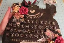 Typewriter chipboard albums / Sa Crafters typewriter chipboard albums