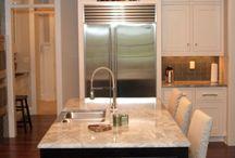 Transitional Kitchen Design / Beautiful transitional kitchen design by TruKitchens in Grand Rapids, Michigan.
