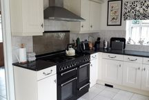 Bespoke Made Fully Fitted Kitchen with Rangemaster Cooker