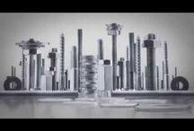 | WURTH | / Il Gruppo Würth è leader mondiale nella distribuzione di prodotti e sistemi per il fissaggio ed il montaggio con oltre 100.000 prodotti in gamma tra cui minuteria metallica e plastica, utensileria a mano, elettrica e pneumatica, prodotti chimici, abbigliamento  ed attrezzatura antinfortunistica, sistemi di immagazzinamento ed allestimenti per officine. La sede centrale Nel 1945 viene fondata la Adolf Würth GmbH & Co. KG con sede a Künzelsau nel Baden Württemberg.