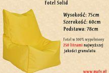 Fotel Solid / Fotel Solid to przede wszystkim prosta forma i dobrze dobrane proporcje: wysokości oparcia (40 cm) w stosunku do głębokości (50 cm) i szerokości siedziska (60 cm). Wszystko to sprawia że fotel jest niesamowicie wygodny w użytkowaniu.   Zastosowane materiały połączone z kontrastową lamówką sprawiają, że fotel nabiera wyrazistą formę. Fotel dostępny w szerokiej gamie kolorystycznej, dostępny również w innych tkaninach.