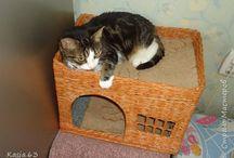 домик для котейки из газетных трубочек