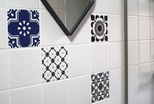 SMARTTILES Tile stickers / With tile stickers from ARTTILES you can easily spice up plain tiles with graphic patterns from ARTTILES. The tile stickers are made of hardy foil and holds permanently in your bathroom or shower as well as in the kitchen.