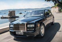 Luxury Wedding Cars / Stunning wedding cars to transport you to your beloved in utmost luxury.