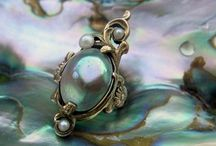 Pearl Jewelry / Freshwater and Cultured Pearl Jewelry