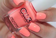 Nails/ Make-up