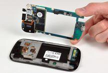 Retirada de la placa base del Nexus S / Si quiere cambiar la placa base de su Nexus S, cumpla con los pasos siguientes.