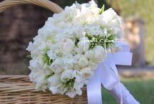 Diario di un bouquet da sposa... / ...confetti di Sulmona, spartiti musicali come coni di riso, braccialetti, porta fedi e anelli floreali.