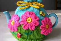 Floral Tea Cosy Inspirations (and patterns)