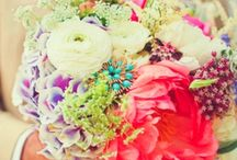 Flowers We Fancy / Florals are a huge part of your wedding. Make them fresh, fun and fabulous! / by Poffie Girls