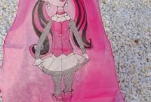 personajes / silk scarves / pañuelos de seda / pañuelos de seda hechos por encargo.