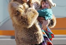 Sienna Miller and Marlowe / Sienna Miller and Marlowe by http://www.wikilove.com