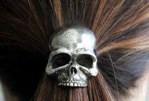 Skulls / by Melissa Siqueira