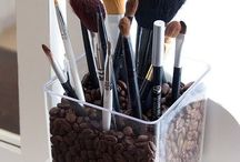 DIY & Crafty stuffs / by Kate Sather