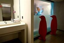 """Wc e arte moderna / Entrando in un camera d'albergo, succede di dare una sbirciatina alla sala da bagno, tra """"timore"""" di quel che si trova e auspicio di avere il meglio. Hotels.com rompe il tabù e svela un piccolo elenco delle migliori toilettes degli alberghi del mondo, le più """"memorabili"""""""