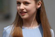 Peinados Comunión / Ideas para completar el look de la Primera Comunión, tener un peinado bonito, con estilo y elegante.