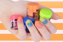 Wibo, WOW Neon Glitters Manicure / Neonowy pyłek brokatowy do wykonania efektownego manicure. Gwarantowany najmodniejszy efekt  sezonu WOW& Neon Glamour.