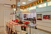 Cozinhas | Kitchens / Veja muito mais fotos, dicas e informações técnicas de cada COZINHA no blog Decor Salteado! É só clicar nas imagens! ; - )