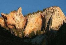 Rock formations and stone sculptures