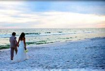 Destin Florida Beach Weddings - SunQuest / Beach Weddings in Destin Florida are stress-free with our 'one-stop shop' and full-service planning team. SunQuest Cruises' team of Destin wedding planners have planned and executed over 1,500 weddings in the past 11 years. We offer a variety of options from beach sites to beach houses for small and large groups. You are not alone – we are with you from start to finish.