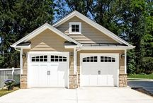 Separate Garages / Free-standing garages make a striking addition to many properties and give you an unparallelled range of options for organization and storage.