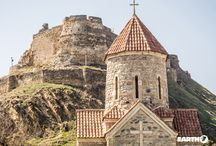 Armenia / Antichi monasteri cristiani, misteriosi siti archeologici, villaggi sperduti tra montagne maestose e antiche vie che collegano Europa e Asia, canyon rocciosi e foreste: questa è l'Armenia leggendaria che ancora oggi si offre al viaggiatore.