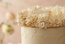 wedding cakes / by Hannah Long