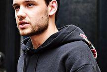 Li.... Liam