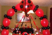 Fun Balloon Arches / Neat balloon arches