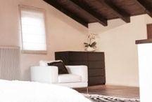 Chambre adulte / Petite ou grande, épurée ou colorée chaque chambre est unique. Retrouvez des idées qui sauront vous inspirer pour la décoration de votre chambre parentale.