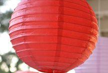 Sky lanterns and paper lanterns