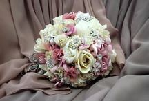 Spring Weddings / Spring Weddings are absolutely beautiful! The floral arrangements, the colours, the table decorations...the options are endless! We have pinned some great ideas for that perfect spring wedding, check them out!!