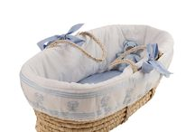 Moses Baskets - Isabella / Introducing Isabella: our beautiful Moses Basket is available in Blue, Gray, Mint and Pink. 		 Every basket is sold with a stand.