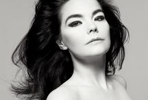 Björk♪ / She's a fountain of blood in a shape of girl! ♥