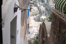 Apartment Positano / Casa stretta is located in Positano center, 50 steps (more and less) lead to the entrance of the house set in a foreshortening of typical local houses . http://www.ourhomesvacations.com/accommodation/apartment-amalfi-coast/8-casa-stretta