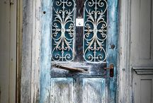 Rayne's Door Collection / Writing inspiration: What lurks behind that #door?