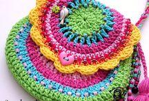 Bolsas a Crochet / by Silvia Arredondo