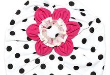 Turbane Fete / Turbane handmade, fabricate in Romania, pentru prințesa din viața ta. Descoperă diferite modele de turbane pentru copii, fete, fetite, create manual de designeri autohtoni.