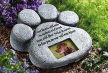 Pet memorials dogs