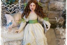 My Victorian Lazy Girls 1:12 scale / Victorian girls in dollhouses scale in a dreamy and lazy attitude.