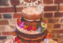tort weselny i słodki stół