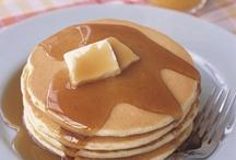 pancakes / Pancakes, flapjacks, johnnycakes and crepes
