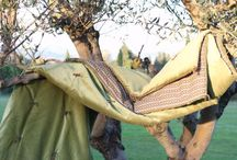 Ambiance lin et velous / Les lin naturel, les velours de coton vert amande et les imprimés check, associés sous le soleil de provence