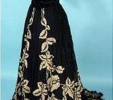 Мода на пуговицы и способы их применения в дамском наряде