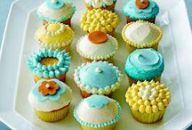 Cupcakes/Cakes / by Carmen P