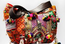 Gujarati Bag In Jaipur / Gujarati Bags, textile bags, Jaipur bags, wholesale handbag are specially designed to serve as fashion quotient and are the preferred choice of new generation as these gujarati bags lend a gorgeous look to the wearer. We have with us exclusive range of Hand Painted Cotton Bags.
