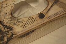 Pudełka na chusteczki. / Ręcznie zdobione, drewniane pudełka na chusteczki higieniczne.