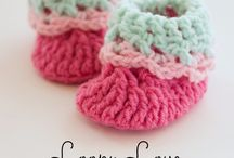 Crochet patterns / Baby bootees
