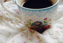 Šálka s kávou Cafézia